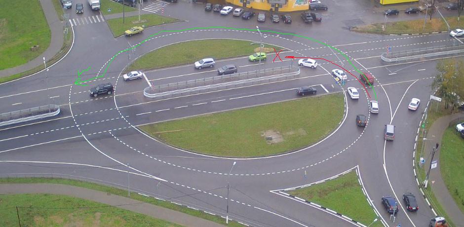 МВД России предложило уточнить правила проезда перекрестков с круговым движением