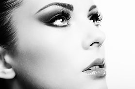 beautiful-woman-face-PV5AX69.jpg