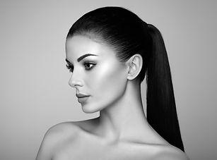 beautiful-woman-face-6YD9TX7.jpg