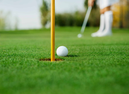 How many putts does the average golfer make? New data shows you need to practice more!