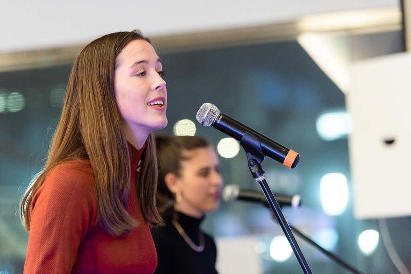 julia and maddy performing at the jewish museum in sf