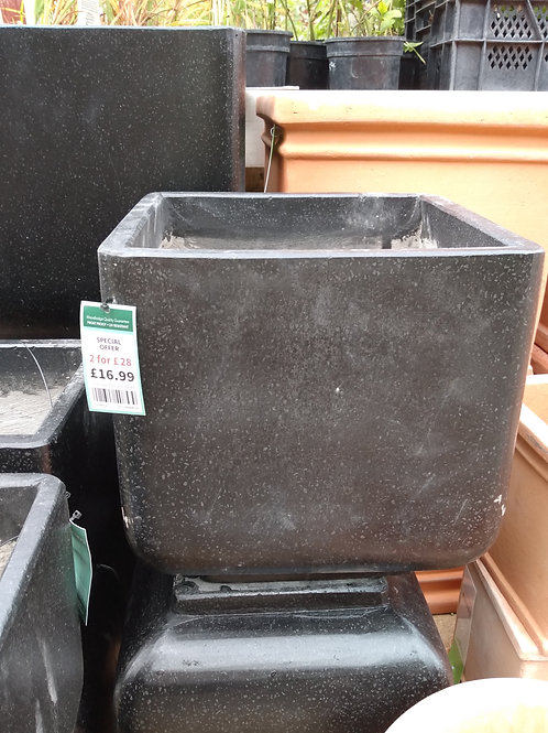Square pot W30xH30. Two for £28.