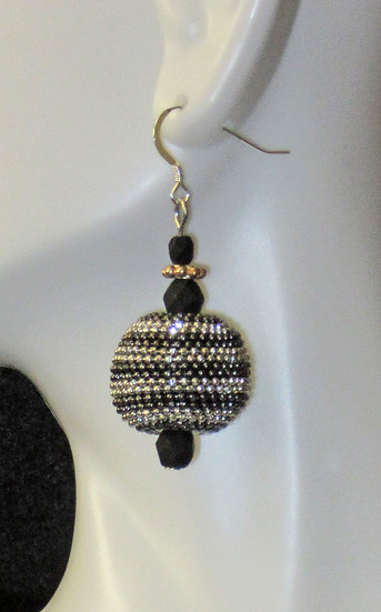 Silver black round earrings