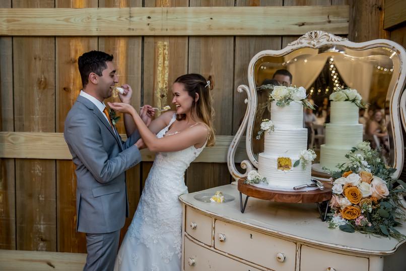 weddingcakephotos.jpg