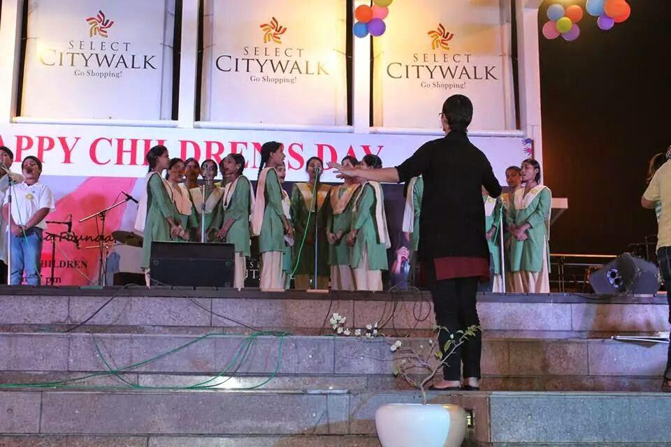 Conducting the Hope high school choir