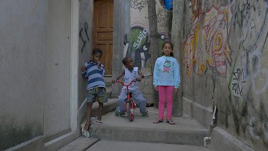 kids in favela.jpg
