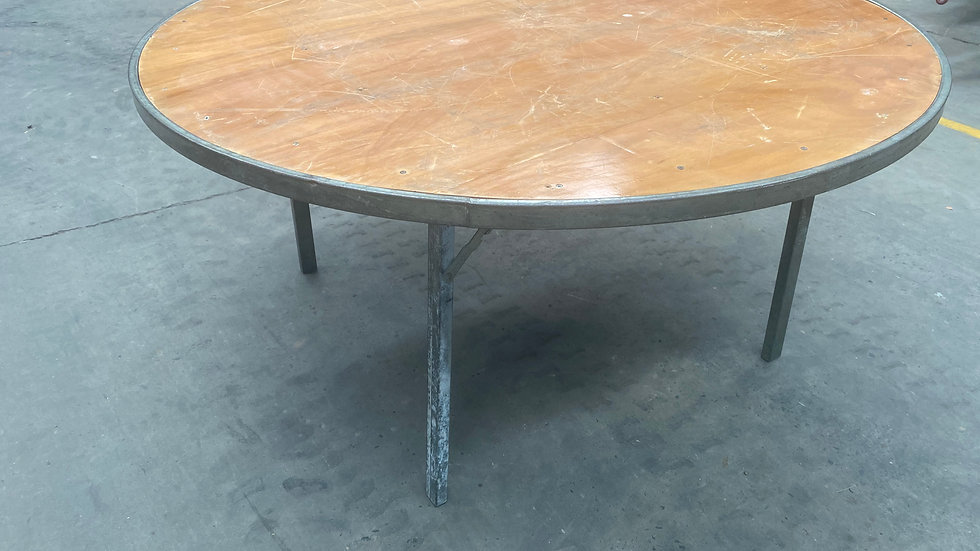 Round Tables (1.5m)