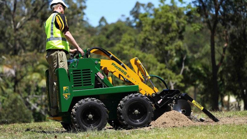 Kanga Miniloader Trencher