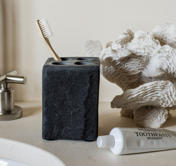 black_toothbrush_holder_pp_2.jpg