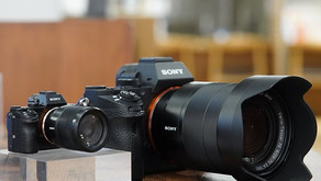 Adorabili mini kit di fotocamere in regalo con l'acquisto di un vero kit Sony, ma solo in Giappone