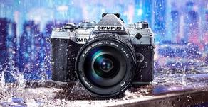 La nuova Olympus E-M5 Mark III è una mini E-M1 II, in stile Fujifilm