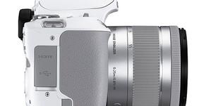 Canon presenta la EOS 250D, e questa è già una notizia!