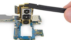 Il sito di riparazione ifixit ci dà uno sguardo più da vicino alle fotocamere Samsung Galaxy S10