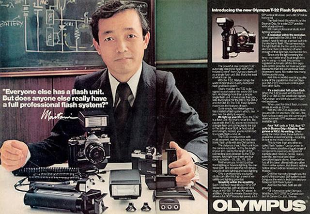Maitani pubblicizza il sistema OM della Olympus (OM stava per Olympus Maitani)
