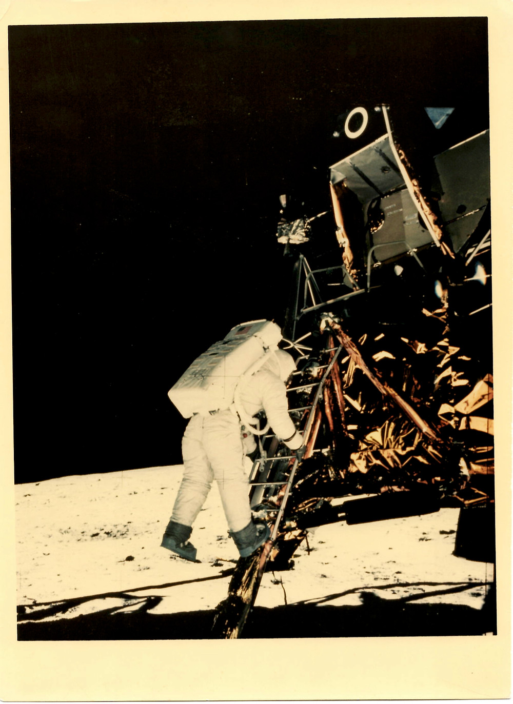 Copyright NASA – courtesy Photology – Buzz Aldrin Moonwalk, Apollo 11