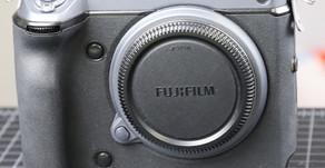 Cosa succede quando l'acqua salata si fa strada all'interno di una Fujifilm GFX100 da 11.000 euro?