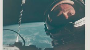 I complottisti di tutto il mondo ora possono acquistare foto delle missioni spaziali all'asta!