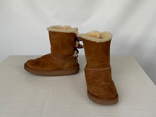 UGG Winter Boots, size US 4