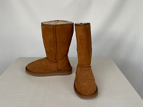 UGG Winter Boots, size US 8