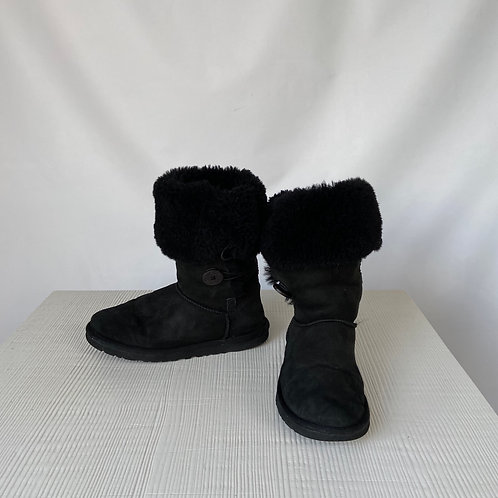 UGG Winter Boots, size US 9