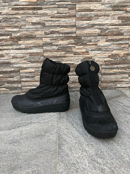Sorel Snow Boots, size US 9