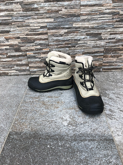 Columbia Boots, size US 6.5
