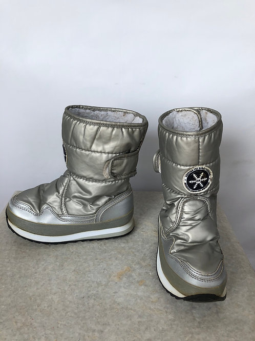 Winter Boots, size US 2
