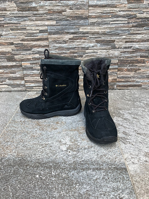 Columbia Boots, size US 6