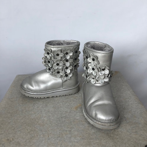 UGG Winter Boots, size US 10