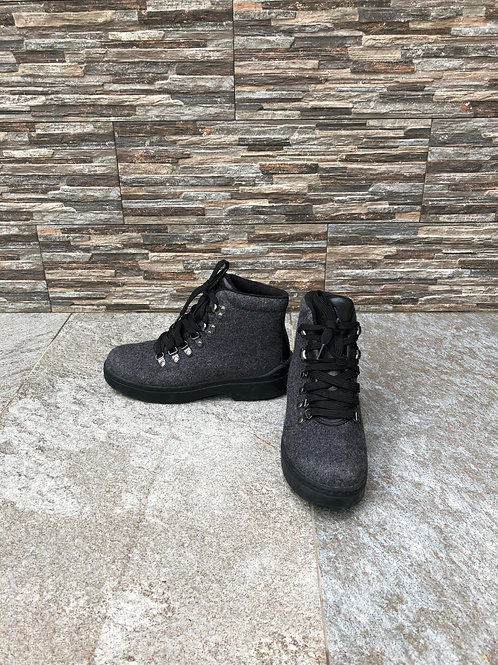 Ralph Laurent City Winter Boots, size US 7