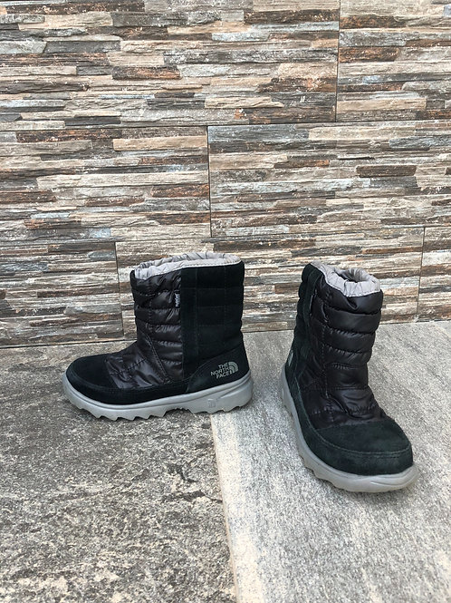 The North Face Snow Boots, size US 4