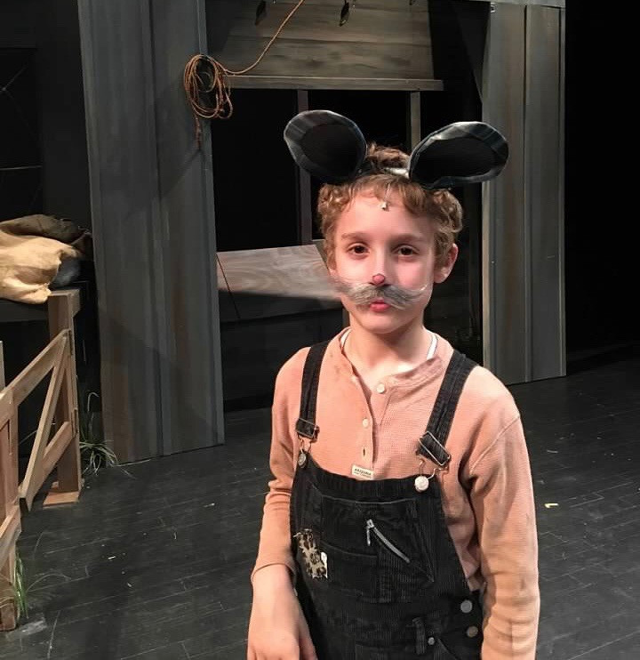 Shaw Shurley as Templeton in Charlotte's Web at SCCT
