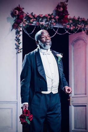 07-joseph-marcell-in-lady-windermeres-fa
