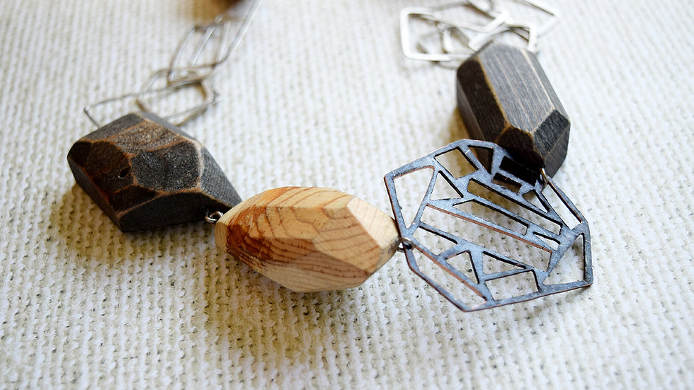 Mixed Metal Link and Facet Necklace