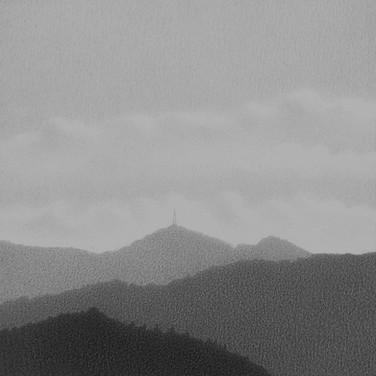 0404 Cerros occidentales desde el estudio de la Abuela Atómica 3 grafito sobre papel 8.5 x 8.5 cm