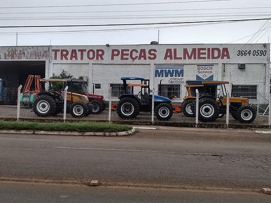 Trator_Peças_Almeida.jpg