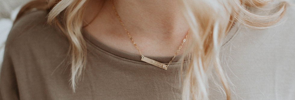 Custom Horizontel Bar Necklace