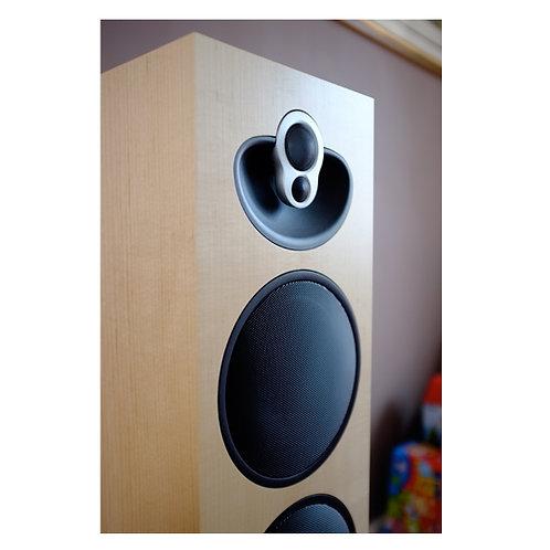 Linn Majik 140 Passive Floorstanding Speakers (Pair) Including Network Player