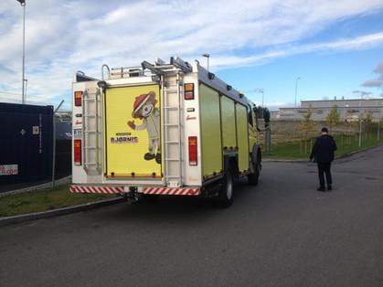 Dekor på bakside av brannbil