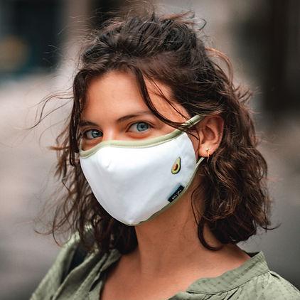 Masque en tissu réutilisable et lavable Montréal Québec Coronavirus protection Jolie Femme