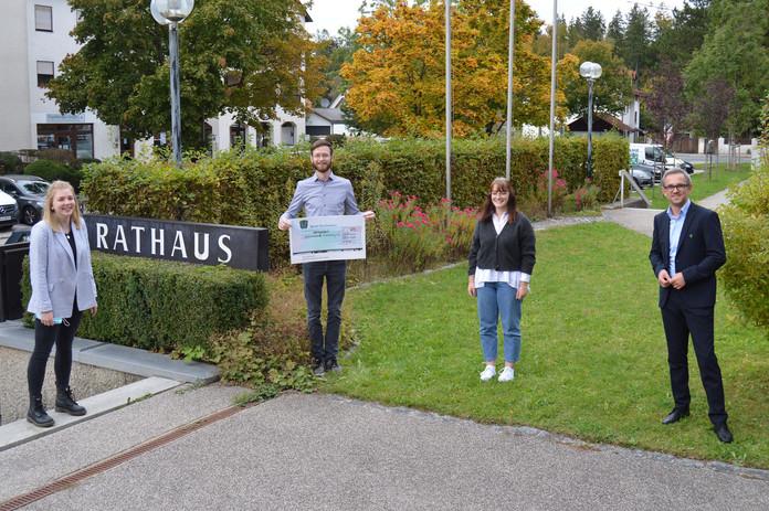Erlös aus Fundradverkauf in Kirchseeon geht an die Kinderkrebshilfe Ebersberg e.V.