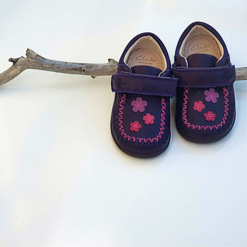 Clarks First Shoes - Size 6