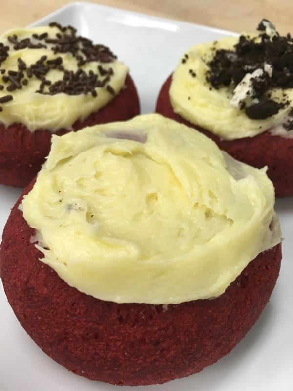 Red velvet cake cream cheese