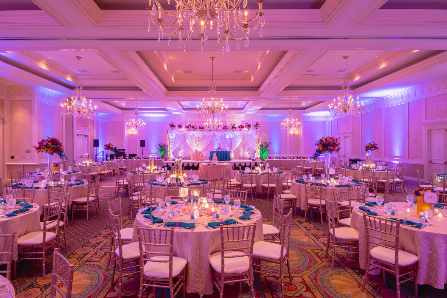 Elegant Hindu wedding reception