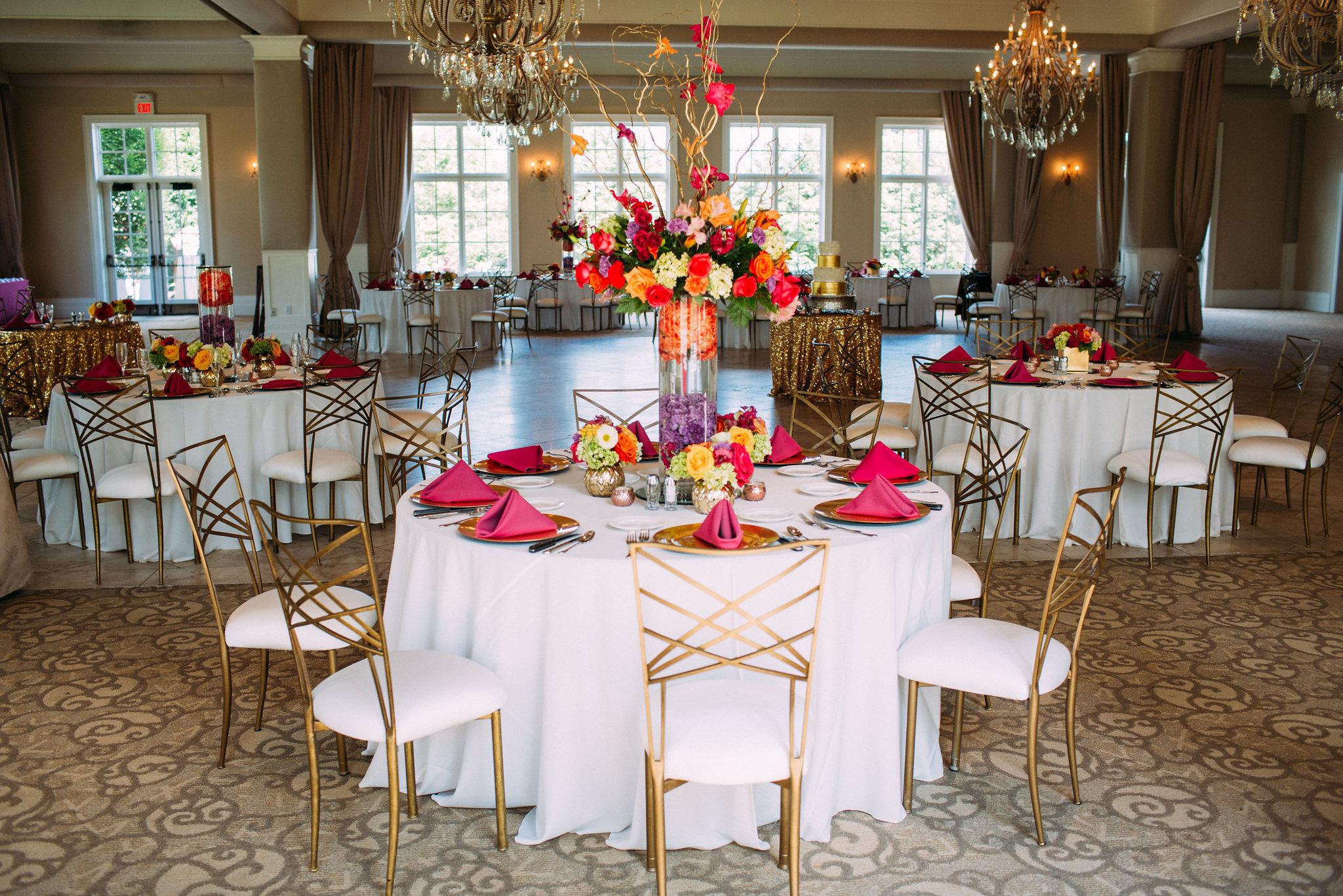 Romantic & bright wedding reception