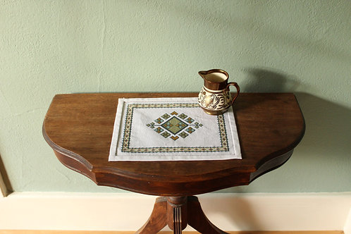 Anatolian Argyle Table Mat Cool colorway