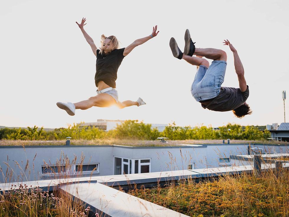jump and fly, über den Dächern von Stuttgart, cølú