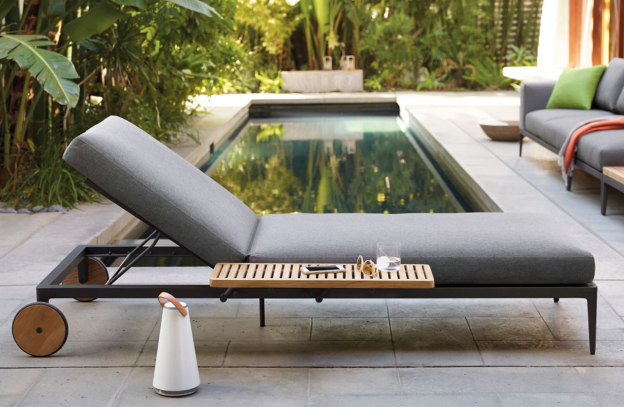 Gloster Grid Chaise