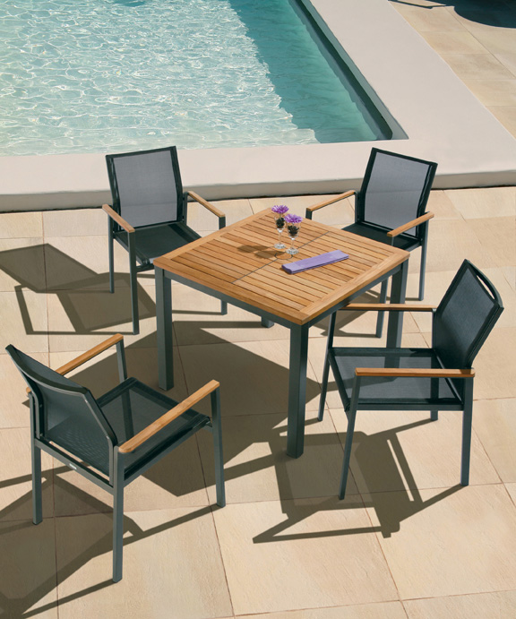 Barlow Tyrie Aura Dining Set