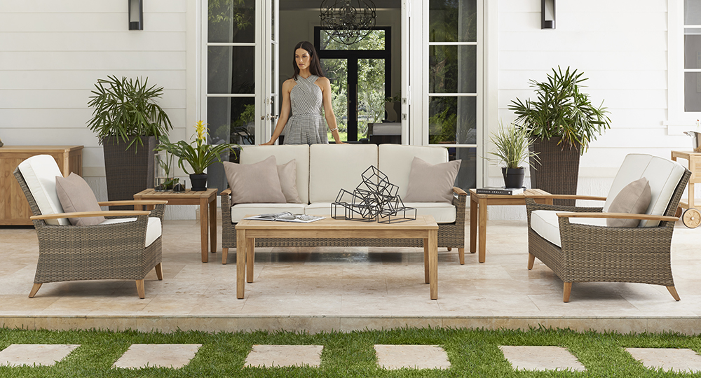 Gloster Pepper Marsh Lounge Chairs and Sofa and Coffee Table